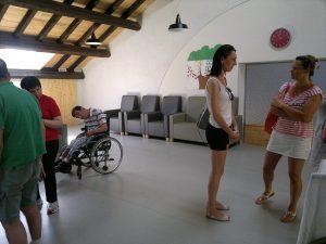 """fot. 6 i 7: Przestrzenie dla opieki całodobowej, w tym """"wytchnieniowej"""", nad osobami z niepełnosprawnością (Coop. Coress)"""
