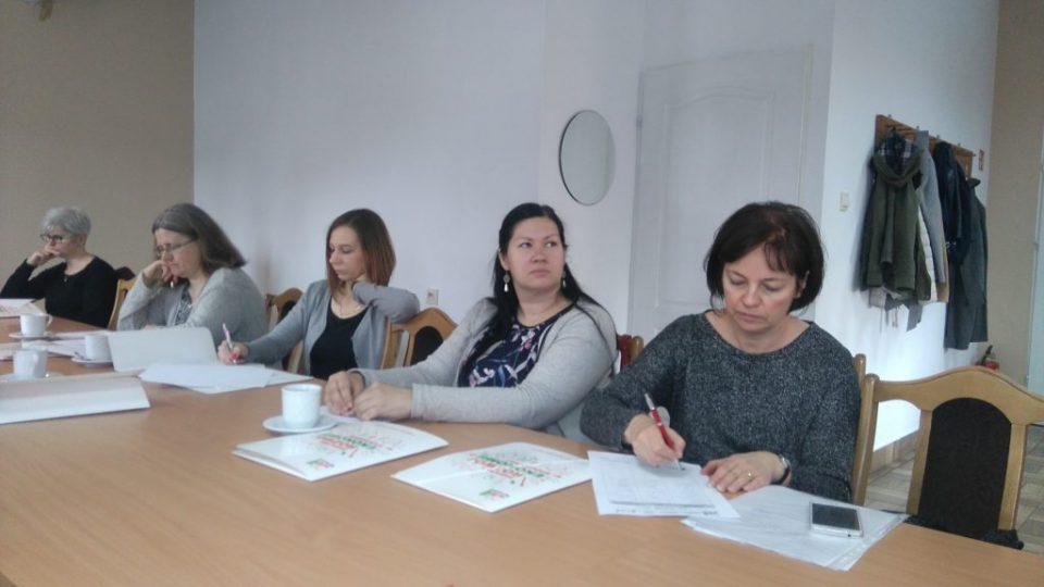 Zdjęcie uczestniczek wizyty w Dobrczu - zdjęcie numer 2