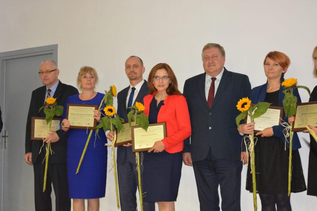 Zdjęcie laureatów Forum Ekonomii Społecznej 2017 - zdjęcie numer 1