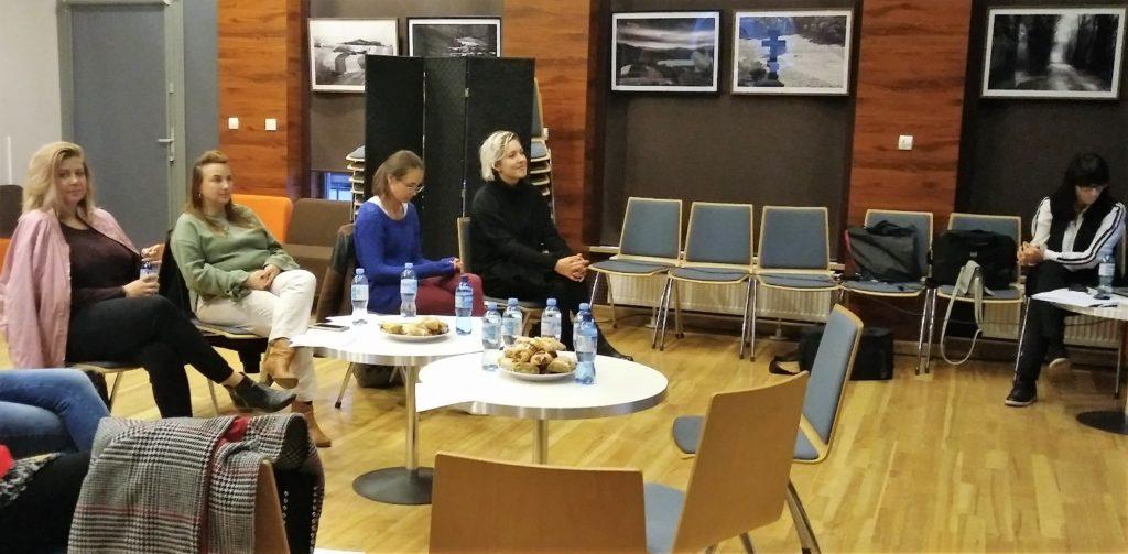 Uczestniczki warsztatu z Panią Ewą Lewandowską zdjęcie numer 1