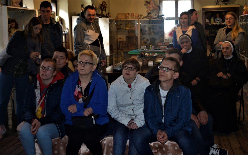 Zdjęcia uczestników wizyty studyjnej spółki Pro Omnis w Toruniu - zdjęcie numer 5