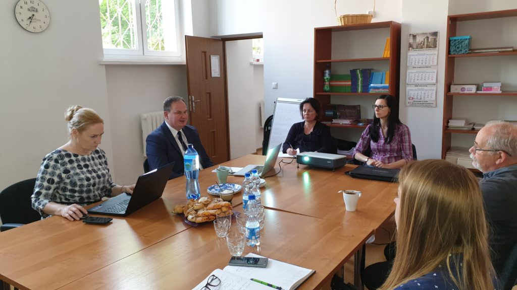 Uczestnicy spotkania konsultacyjno-informacyjnego AKSES - zdjęcie numer 2