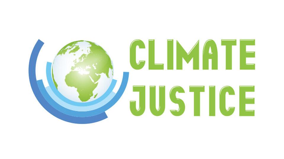 """Logo o nazwie """"Climate Justice"""" odnoszące się do sprawiedliwości klimatycznej"""