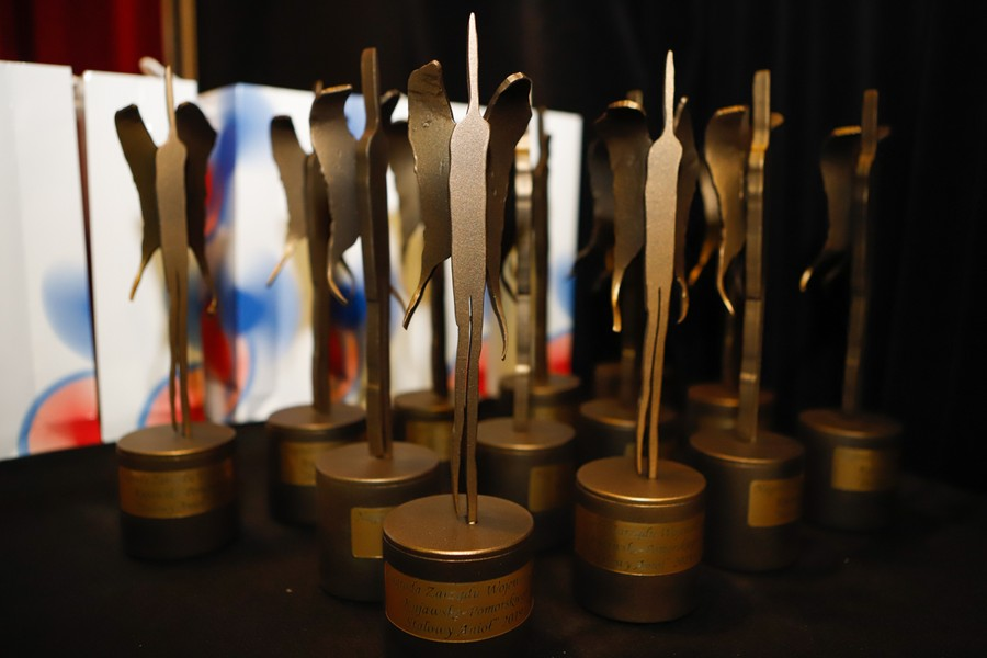 figurki nagród stalowy anioł